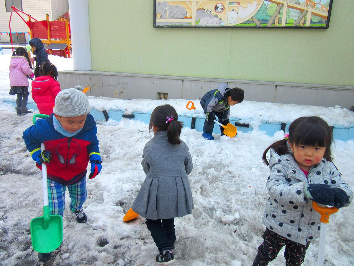 雪割り作業